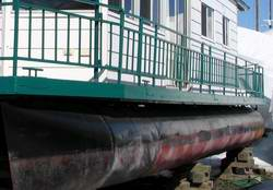 Catwalk House Boat Designs