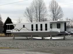 Full Hull Houseboat Designs