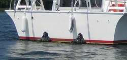 Twin Sterndrive Houseboat Designs