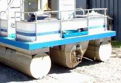 Calculate weight and displacement of houseboat pontoons