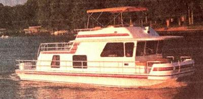 Gibson Houseboats - the Classic series boat