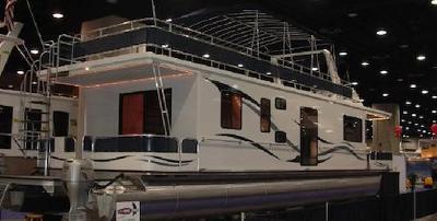 Build a Custom Pontoon Houseboat