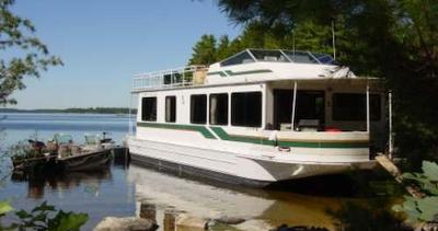 Houseboat Rentals - great for family, fishing, BBQ's